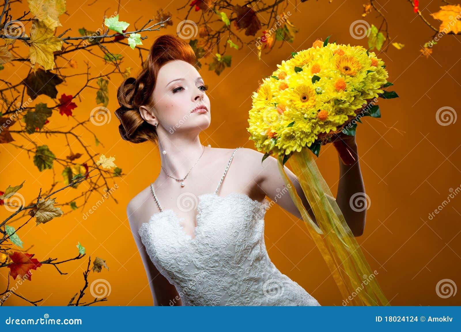 С невестой рыжая 15 фотография