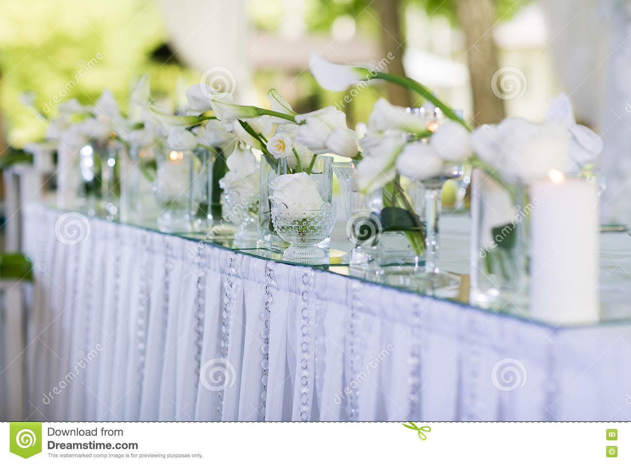 beautiful restaurant interior table decoration for wedding. flower