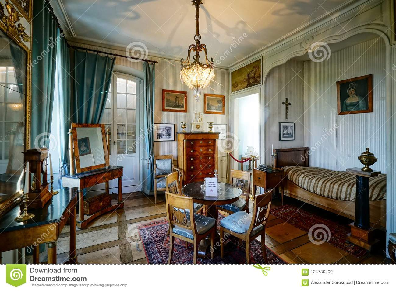 Beautiful Rich Classic Interior Of Xix Century Editorial Stock Image Image Of Furniture History 124730409