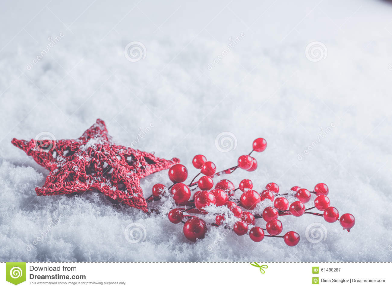 Beautiful christmas snow pictures the snow on christmas day in - Beautiful Romantic Vintage Red Heart With Mistletoe Berries On A White Snow Christmas Love