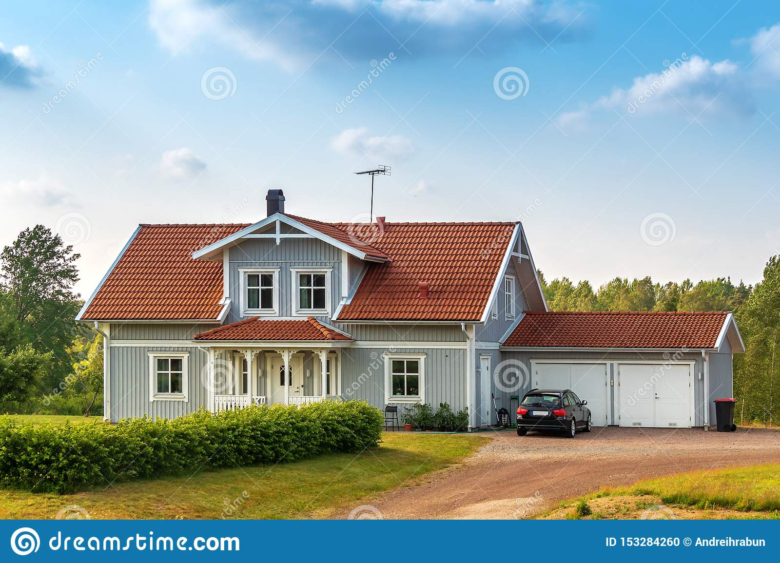 Beautiful Scandinavian Style House with Two Places Garage and Gar ...