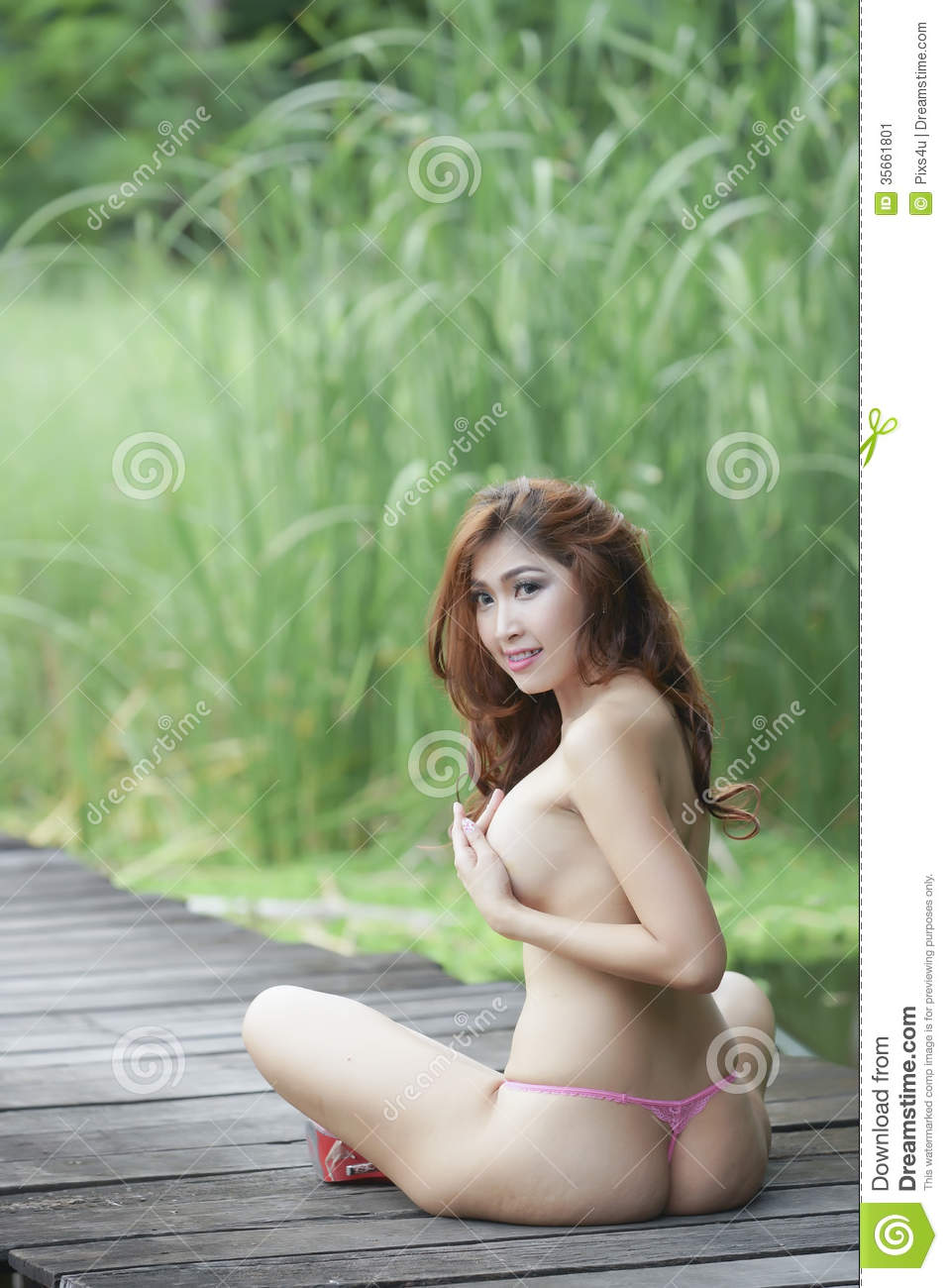 And health beautiful sexy girl topless 2X4 ass