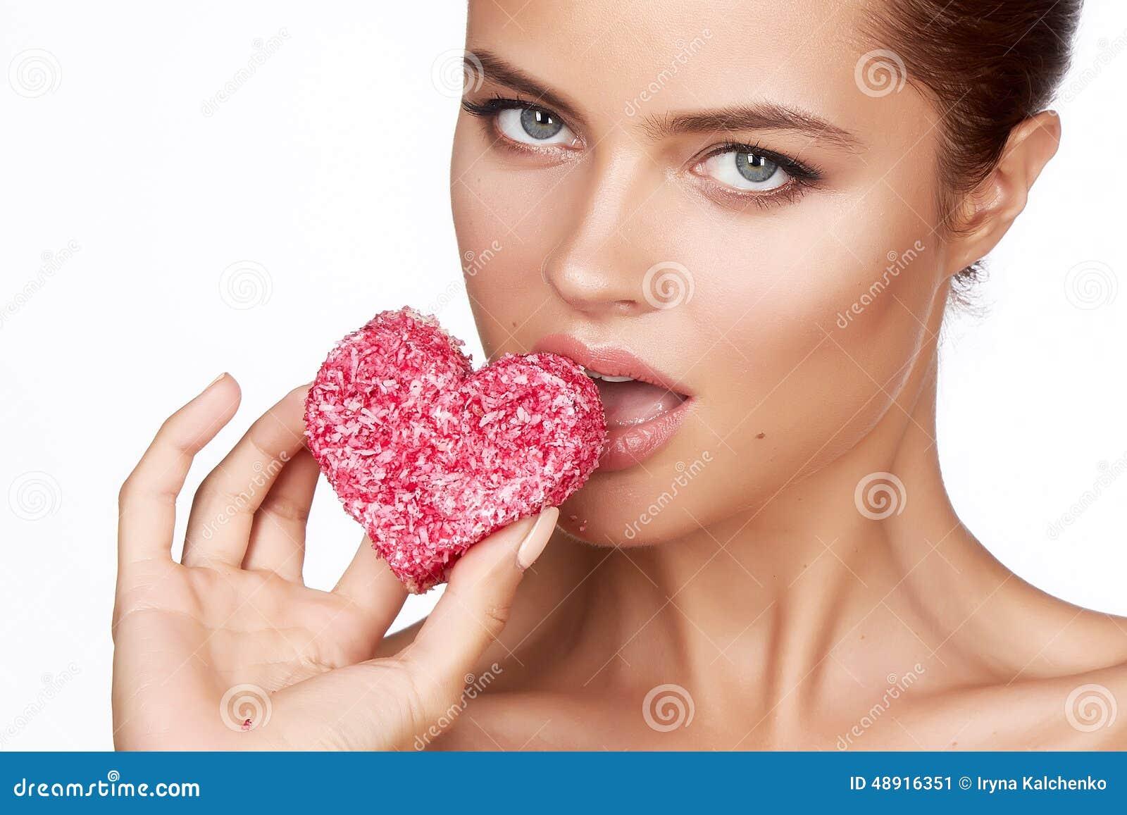 Areedy Cake Heart