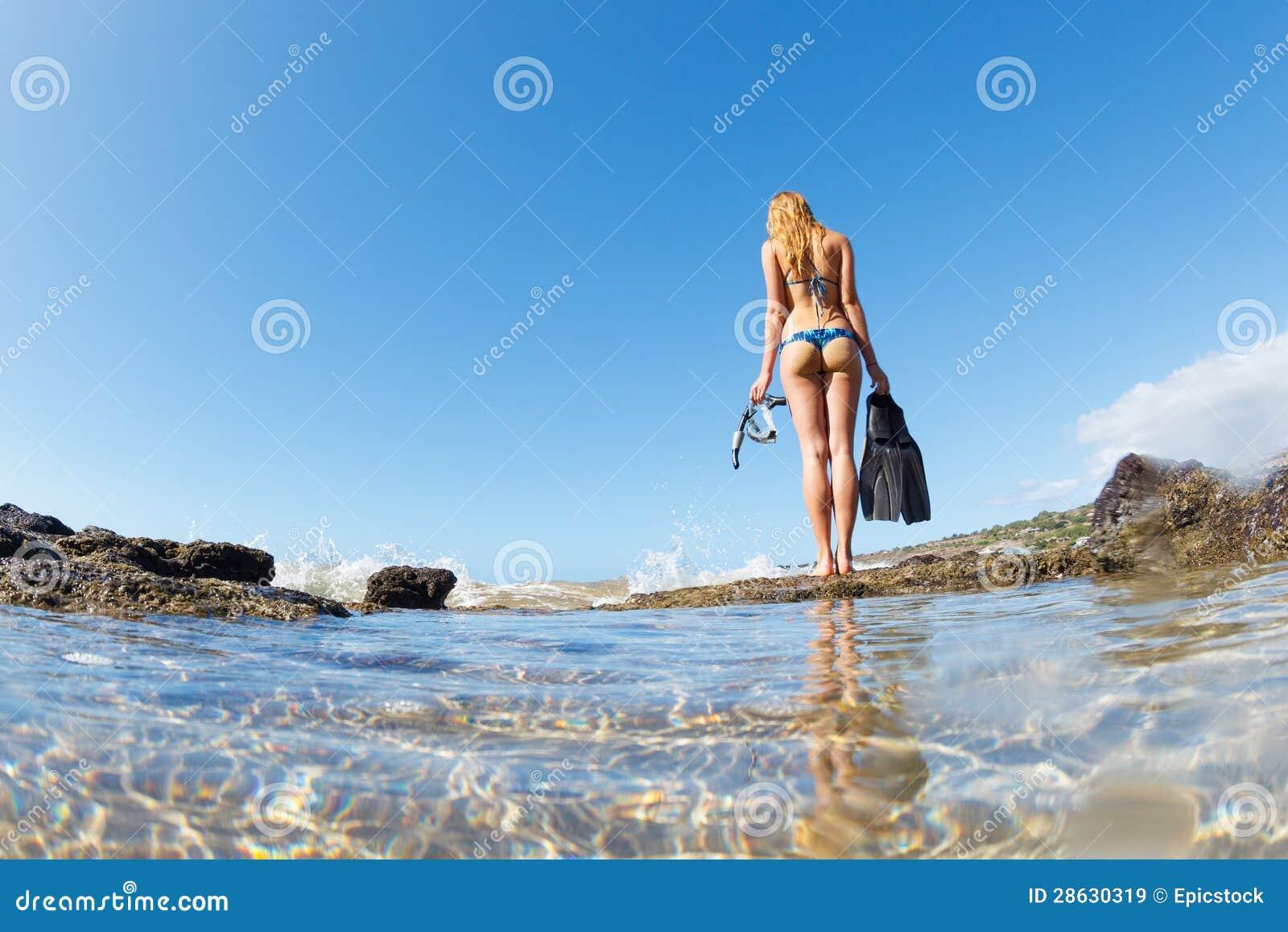 Free Clipart Girl Walking