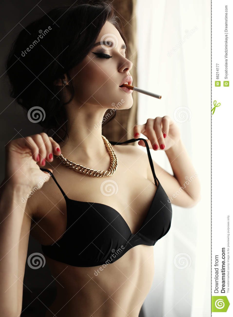 beautiful women smoking naked