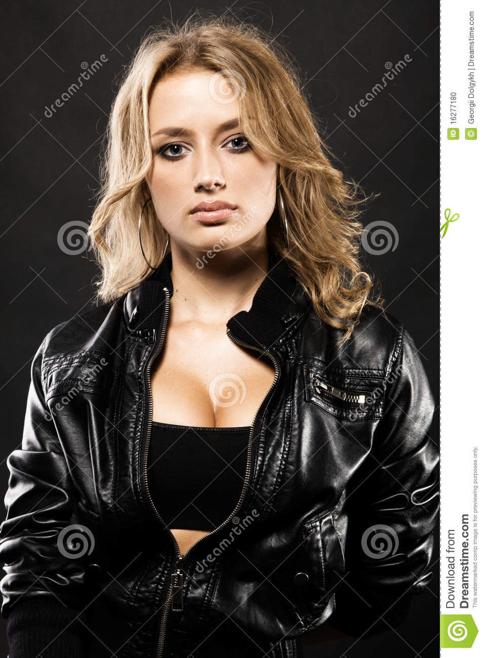 Sexy women in leather pics