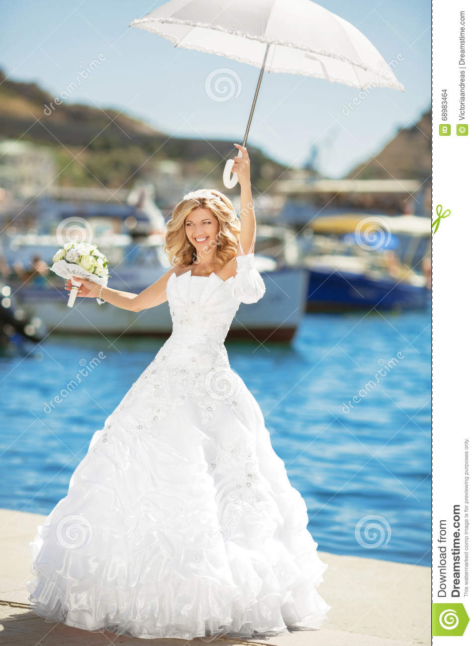 Beautiful Smiling Bride In Wedding Dress With White Umbrella Pos ...