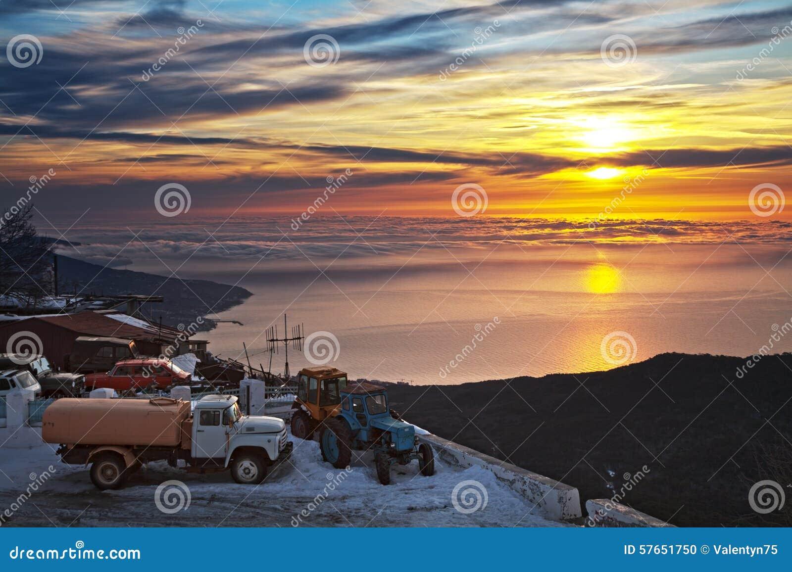 Beautiful sunrise in the Ay-Petry.
