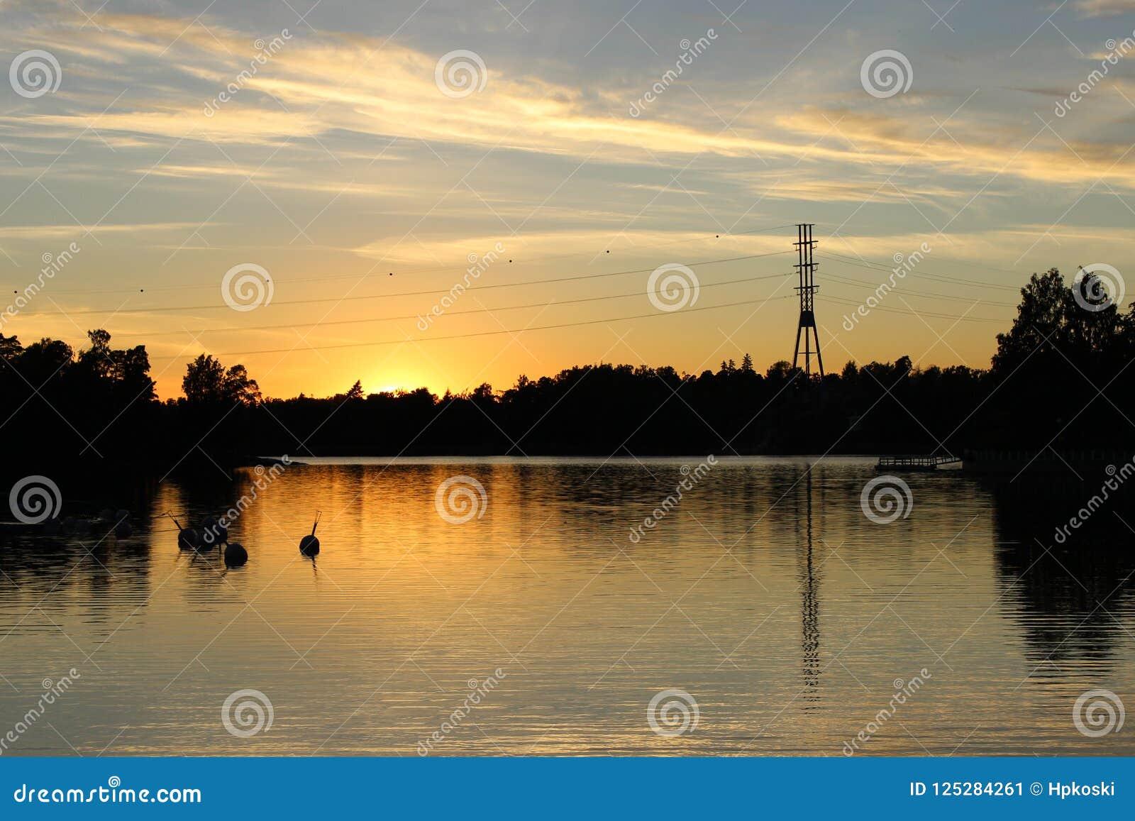 ebebe69a931 Beautiful and scenic sunset view of Humallahti in Töölö