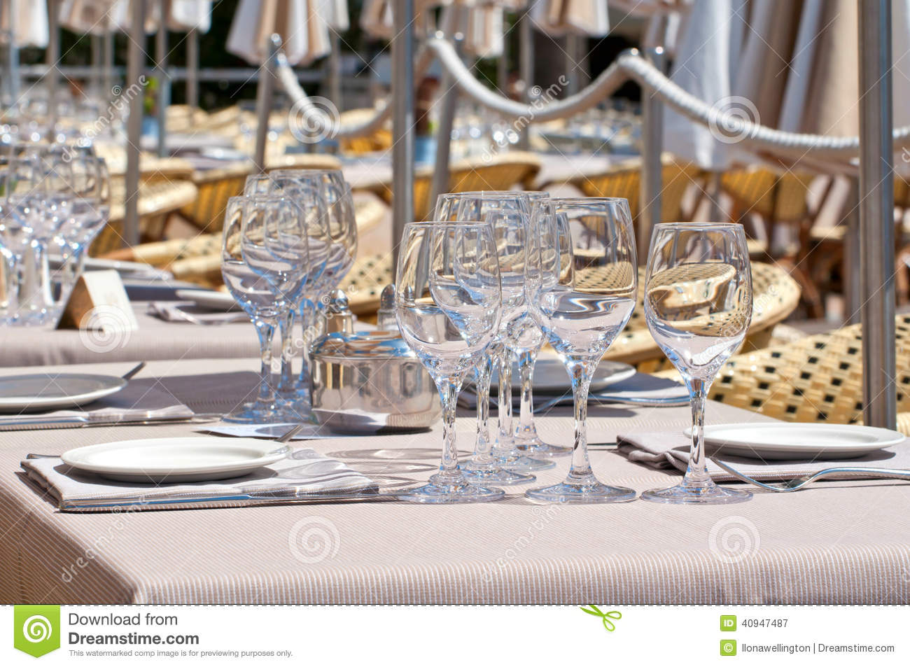 Fancy restaurant table setting - Beautiful Table Setting In An Outdoor Restaurant Royalty Free Stock Photography