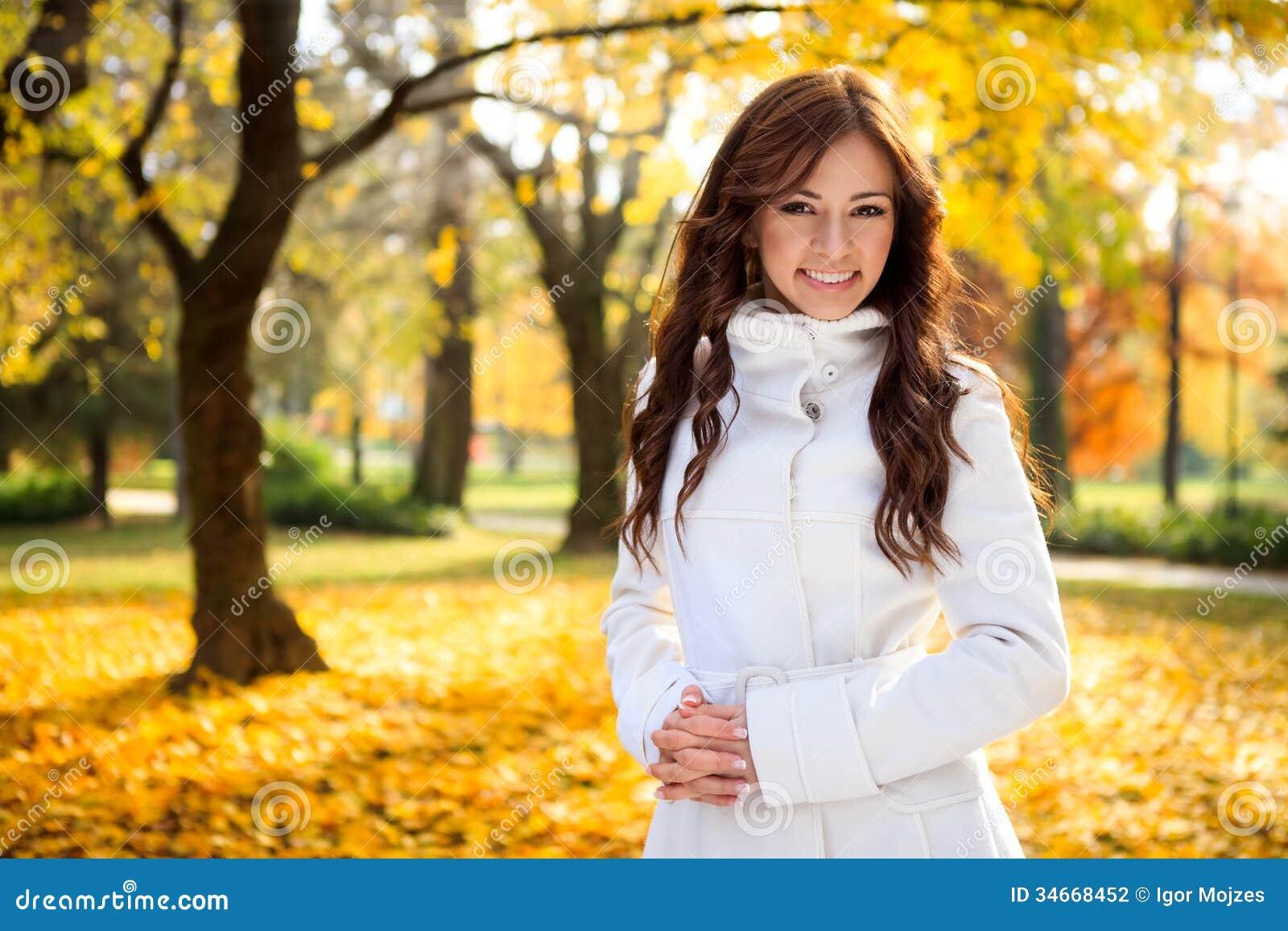 Beautiful Women Make Woman Fall 88