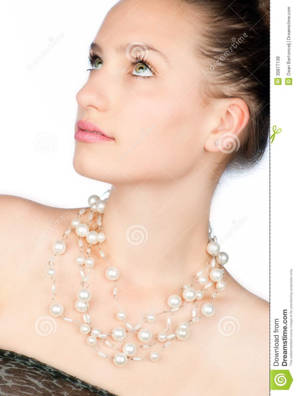 Lot eat teen pearl necklace