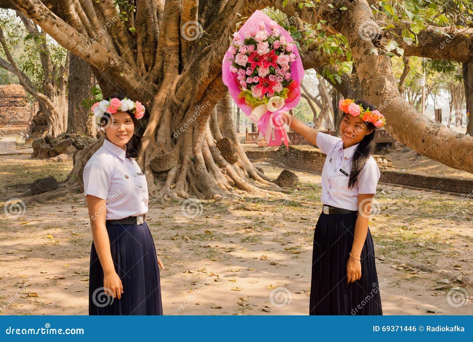 holiday girls Thai