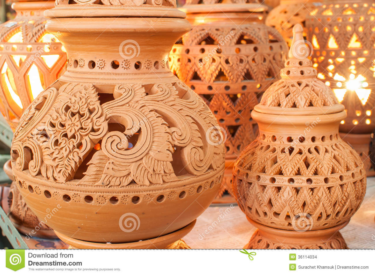 Beautiful thai style designs on pottery stock images for Que es ceramica