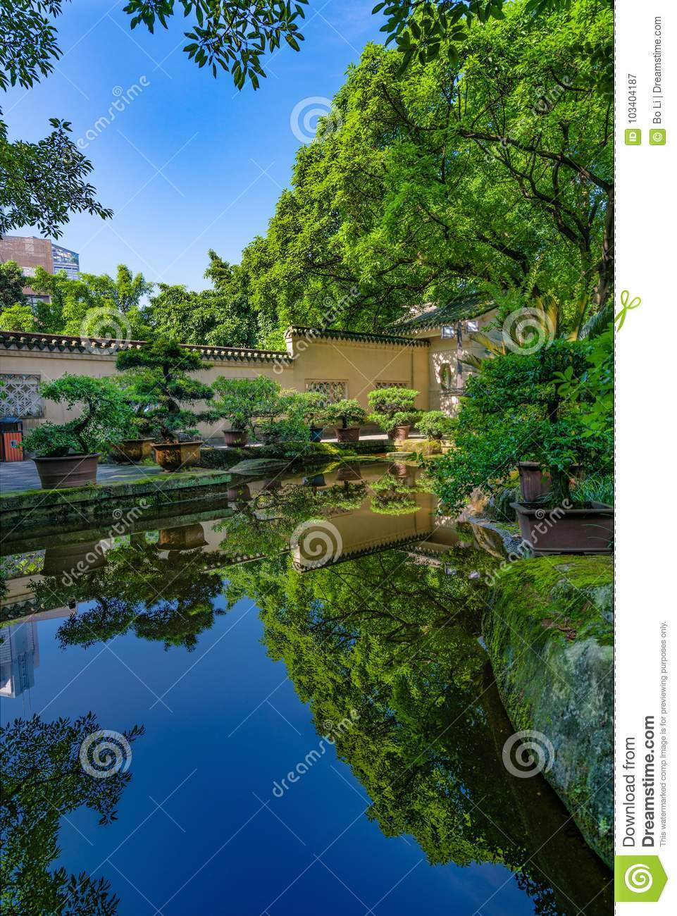 A Beautiful Traditional Style Chinese Garden