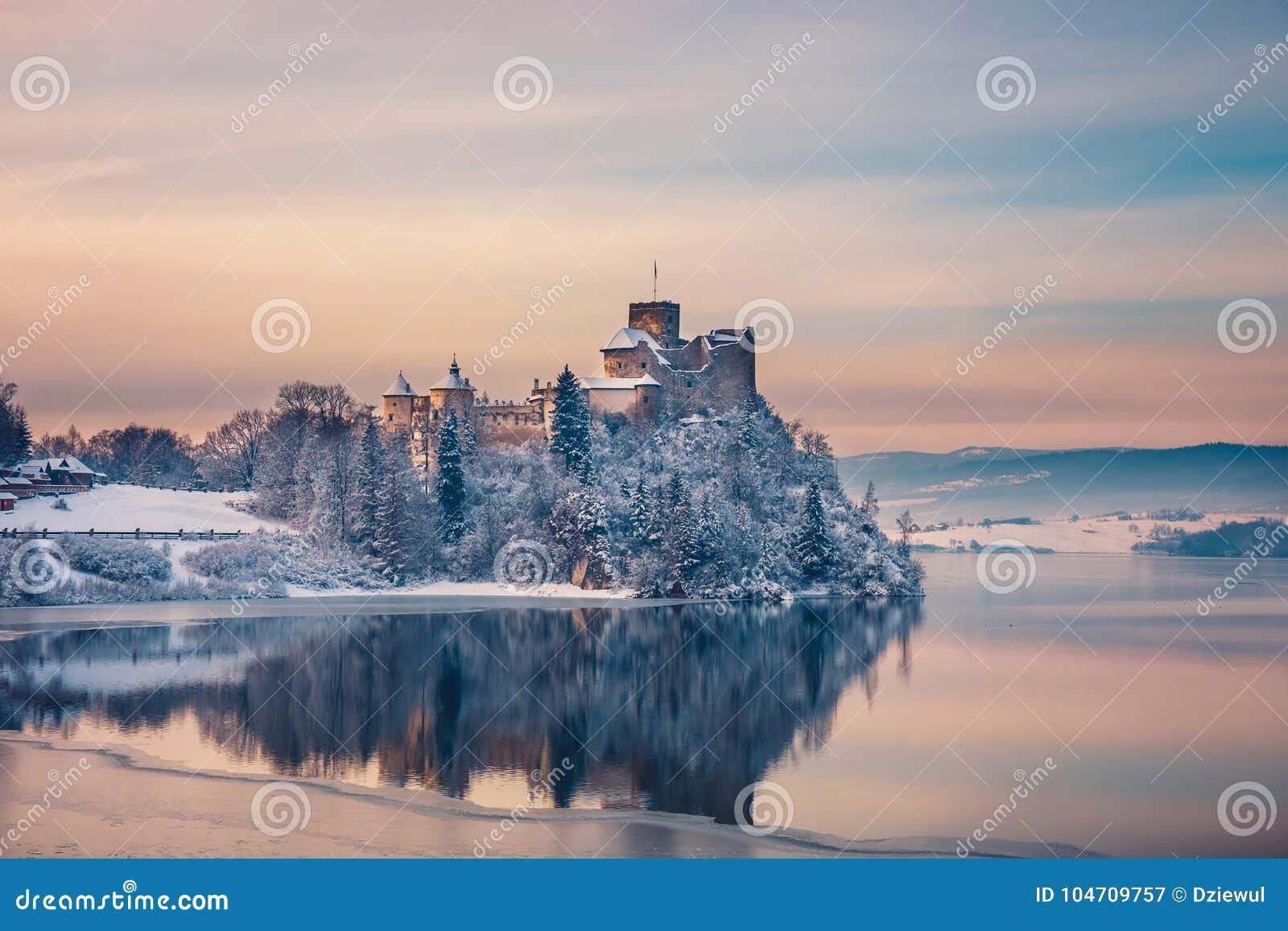 Beautiful view of Niedzica Castle