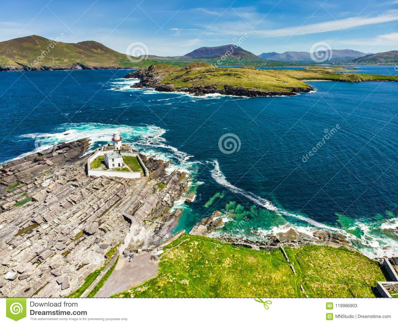 Beautiful view of Valentia Island Lighthouse at Cromwell Point. Locations worth visiting on the Wild Atlantic Way.