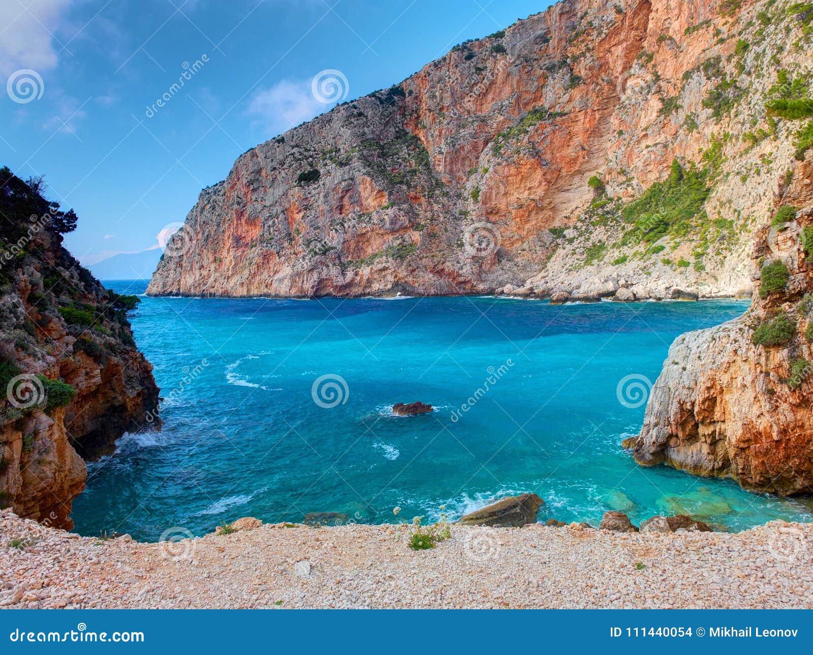 Navagio beach Zakynthos - Ship wreck beach - Griekenland.net | 1065x1300