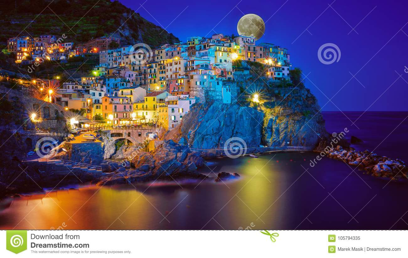 The Heart Of Cinque Terre cinque terre - manarola after sunset stock image - image of