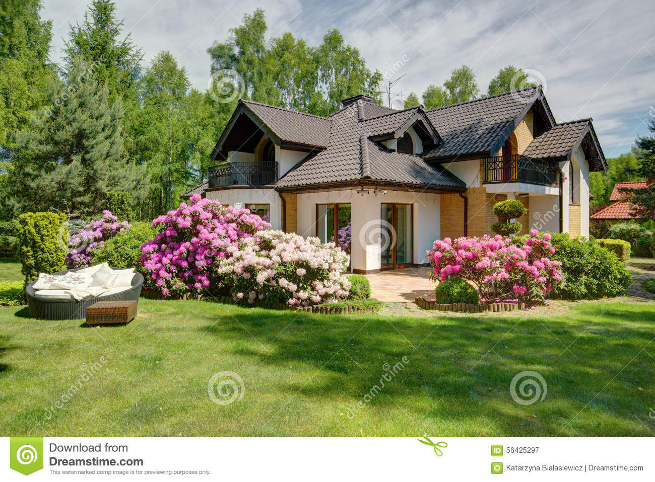 Beautiful Village House With Garden Stock Image Image