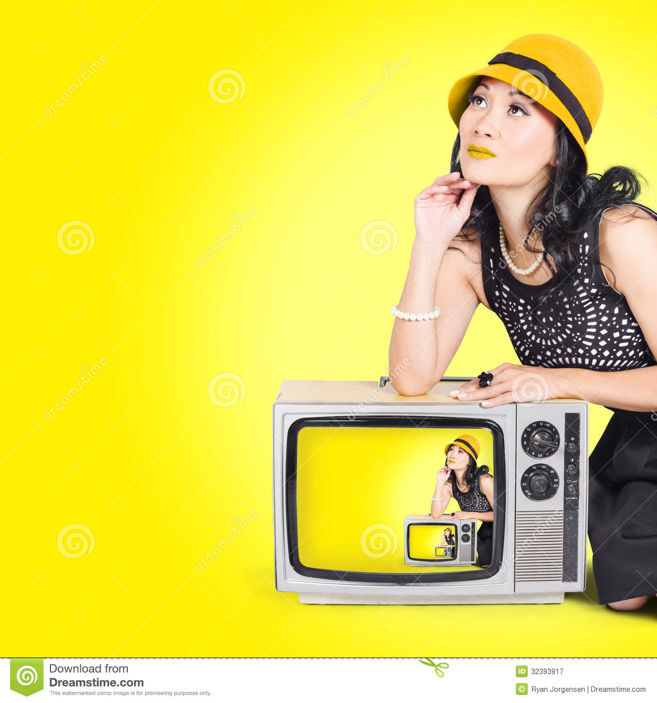 Beautiful Vogue Woman In Vintage 50s Fashion Style Royalty Free Stock Photogr -> Pose Tv Dising