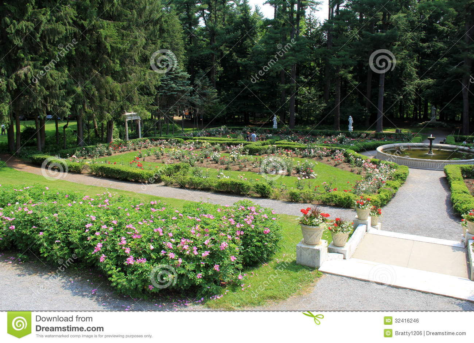 Beautiful Walkwaysfountains And Rose Gardensyaddo Gardenssaratoga