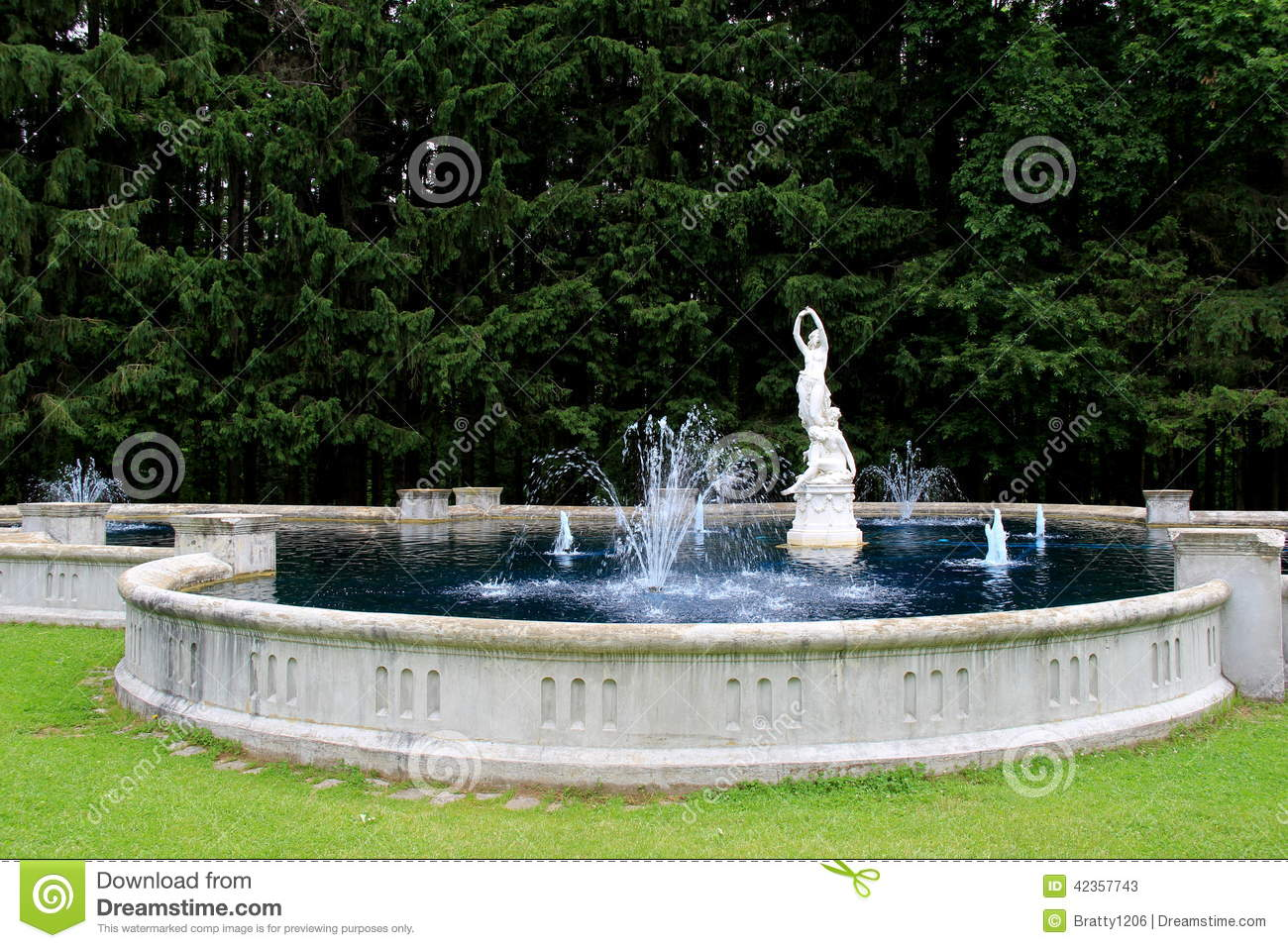 Water fountains with statues - Beautiful Water Fountain And Statues Yaddo Gardens Saratoga Springs New York 2014