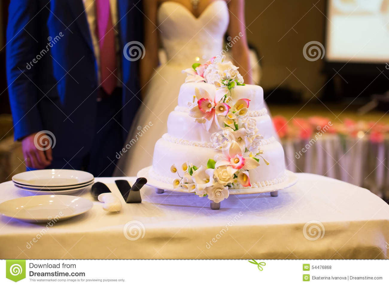 Cake And Flowers Beautiful Bride 106