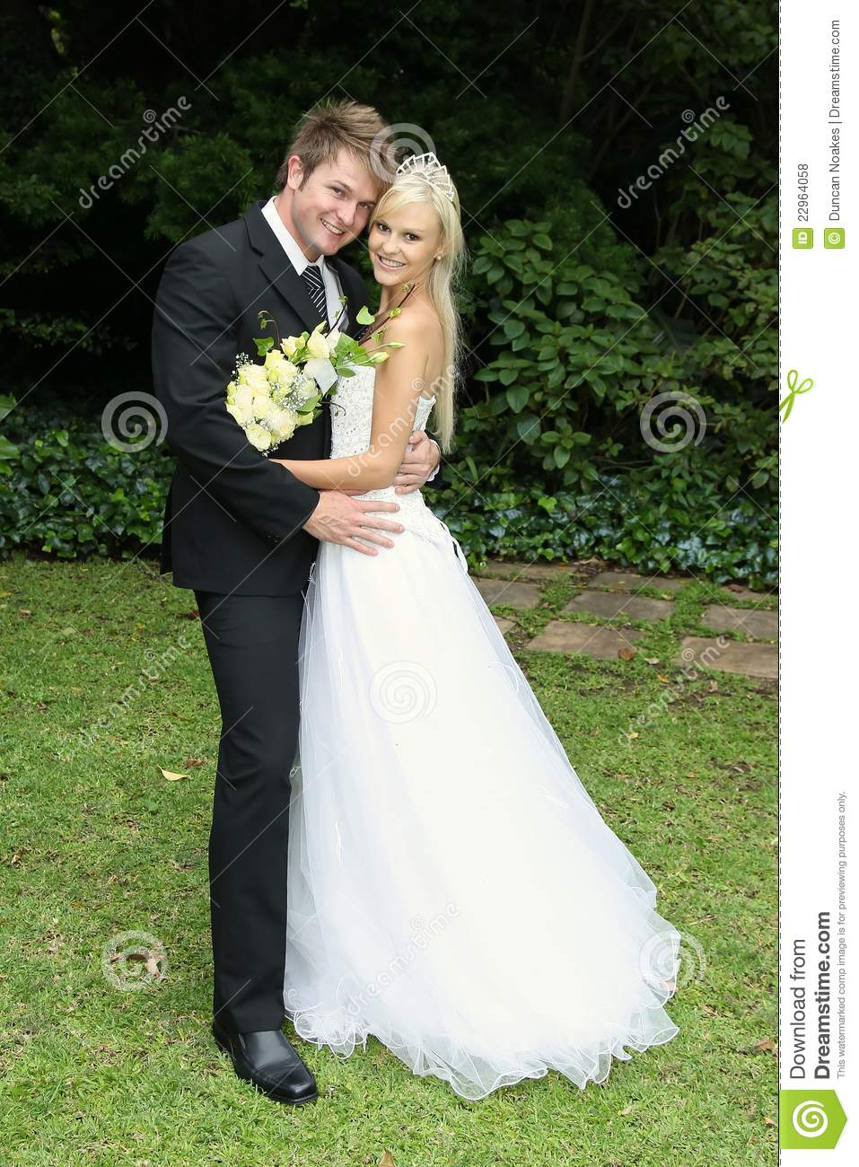 a beautiful wedding day Enjoy sharing these beautiful wedding poems with the bride and groom on their wedding day i hope their wedding and marriage turns out to be fabulous.