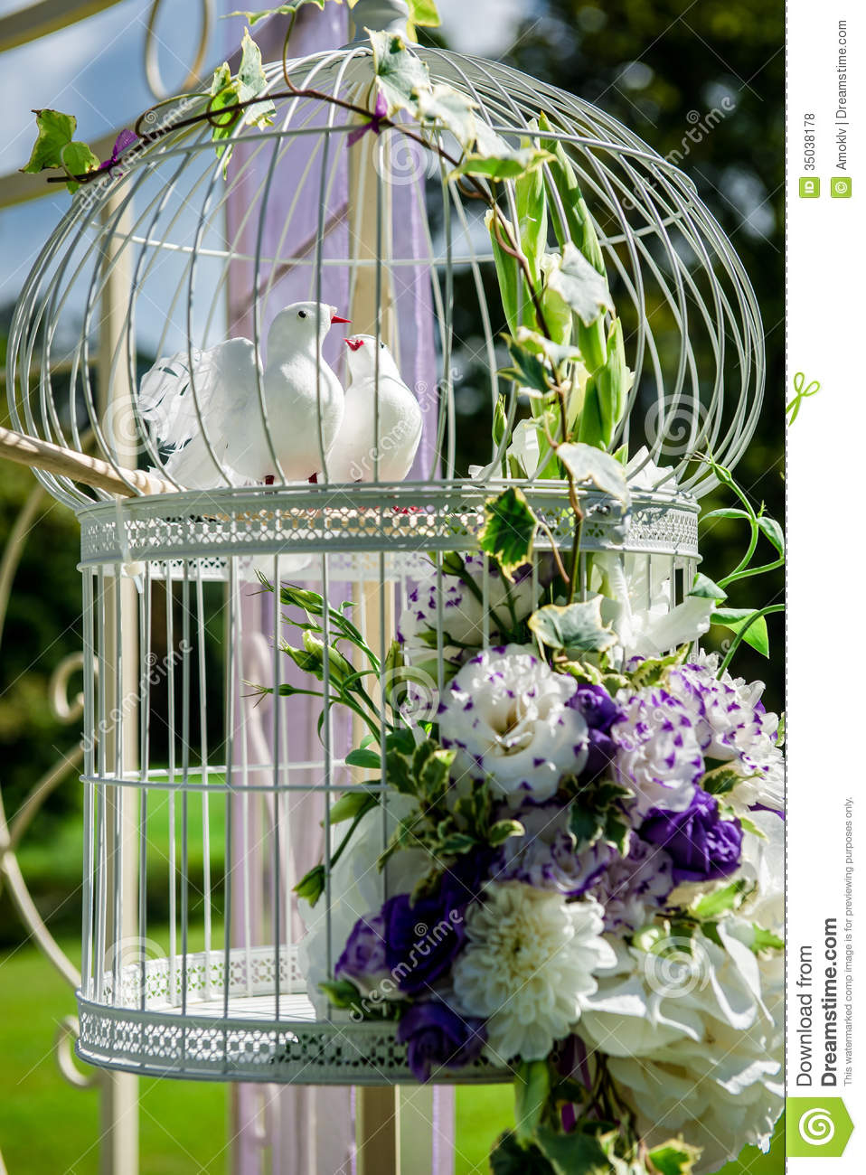 Beautiful wedding decoration royalty free stock photos for Artificial birds for decoration
