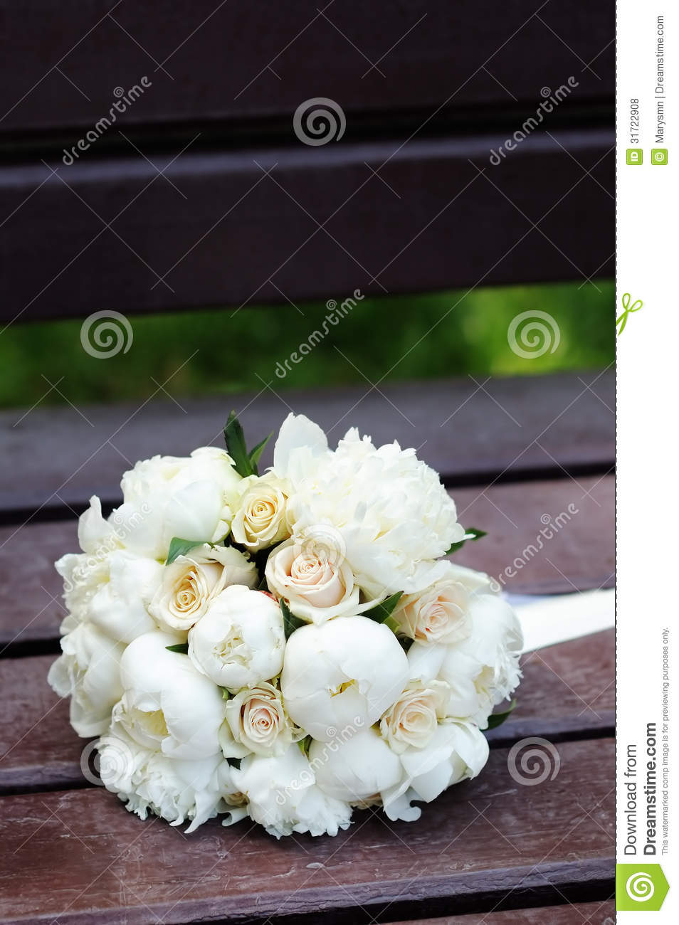 beautiful wedding flowers bouquet royalty free stock photos image 31722908. Black Bedroom Furniture Sets. Home Design Ideas