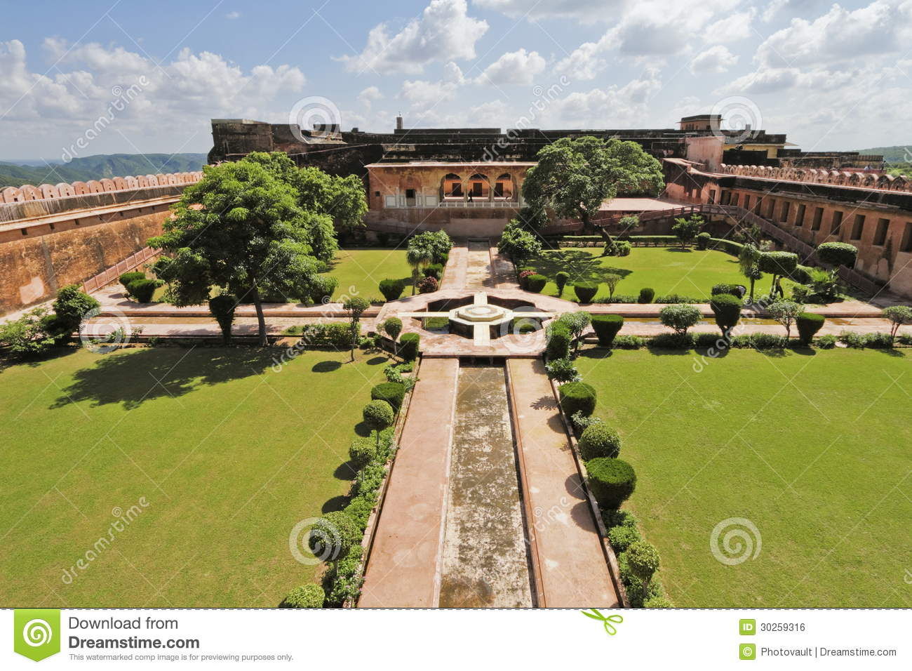 Charbagh garden at jaigarh fort stock photo image 30259316 - The well tended perennial garden ...
