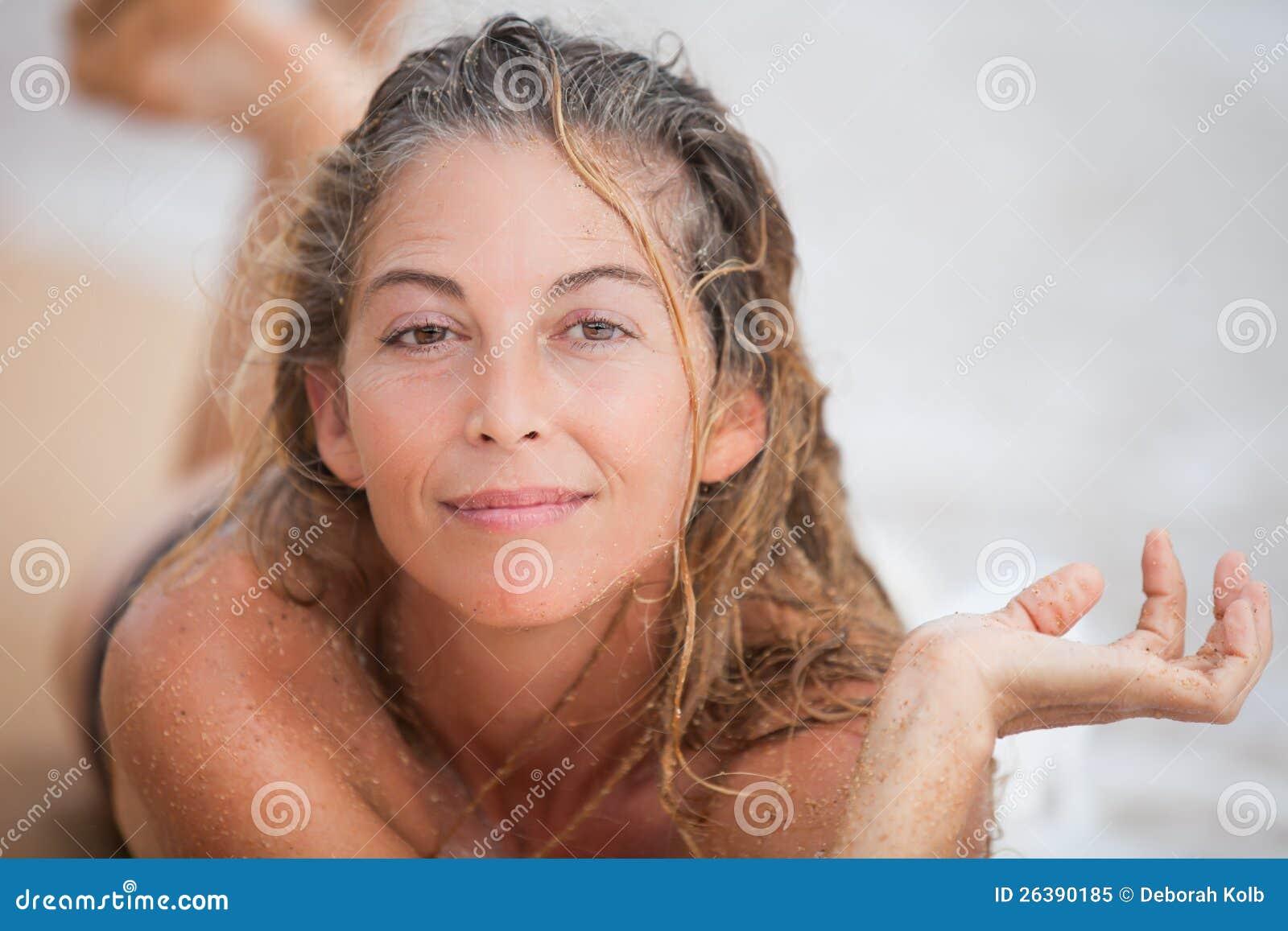 Фото мокрой женской дырки, Мокрые киски девок 65 фото 20 фотография