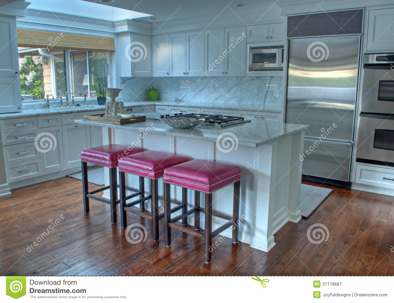 Hot Pink Kitchen Decor