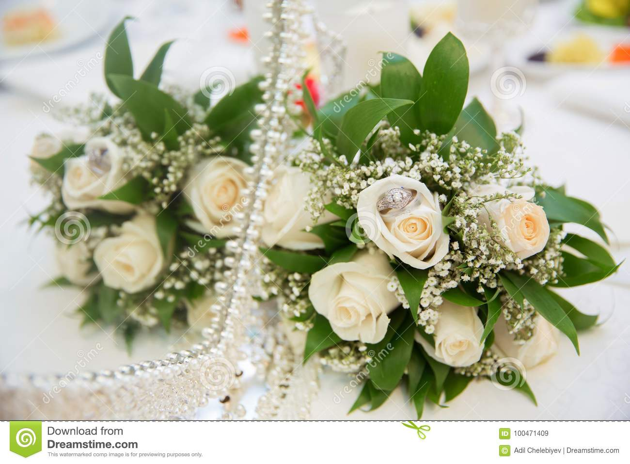 Beautiful White Wedding Bouquets In Basket Backgraound Bouquet