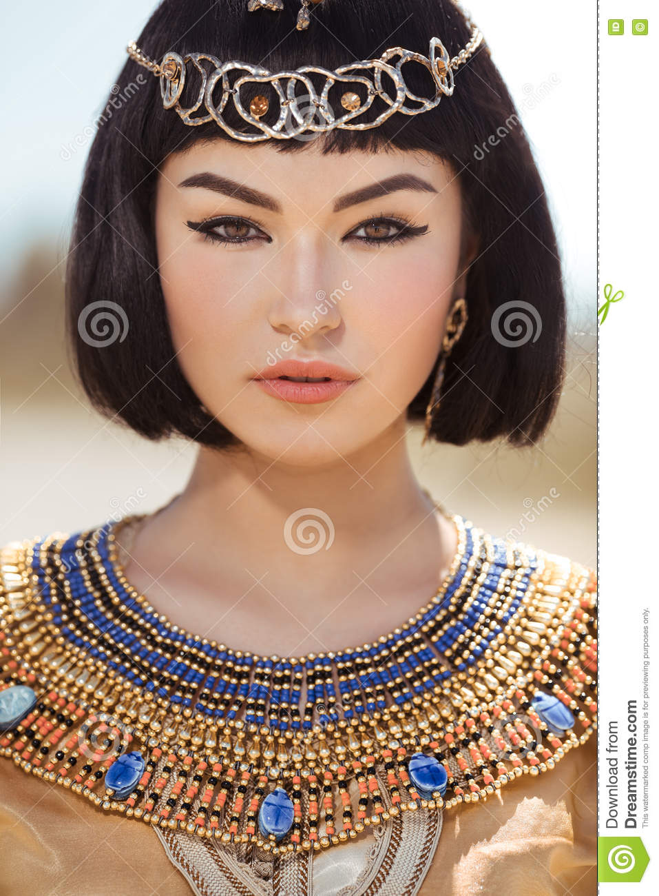 Prime Beautiful Woman With Fashion Make Up And Hairstyle Like Egyptian Short Hairstyles For Black Women Fulllsitofus