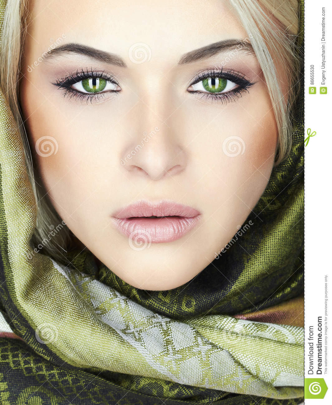 b66587734b7266 Beautiful Woman With Green Eyes Stock Photo - Image of lovely ...