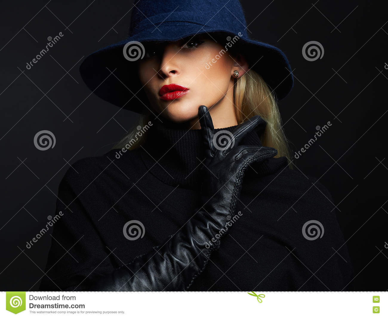 Ladies long vintage leather gloves - Beautiful Woman In Hat And Leather Gloves Retro Fashion Girl