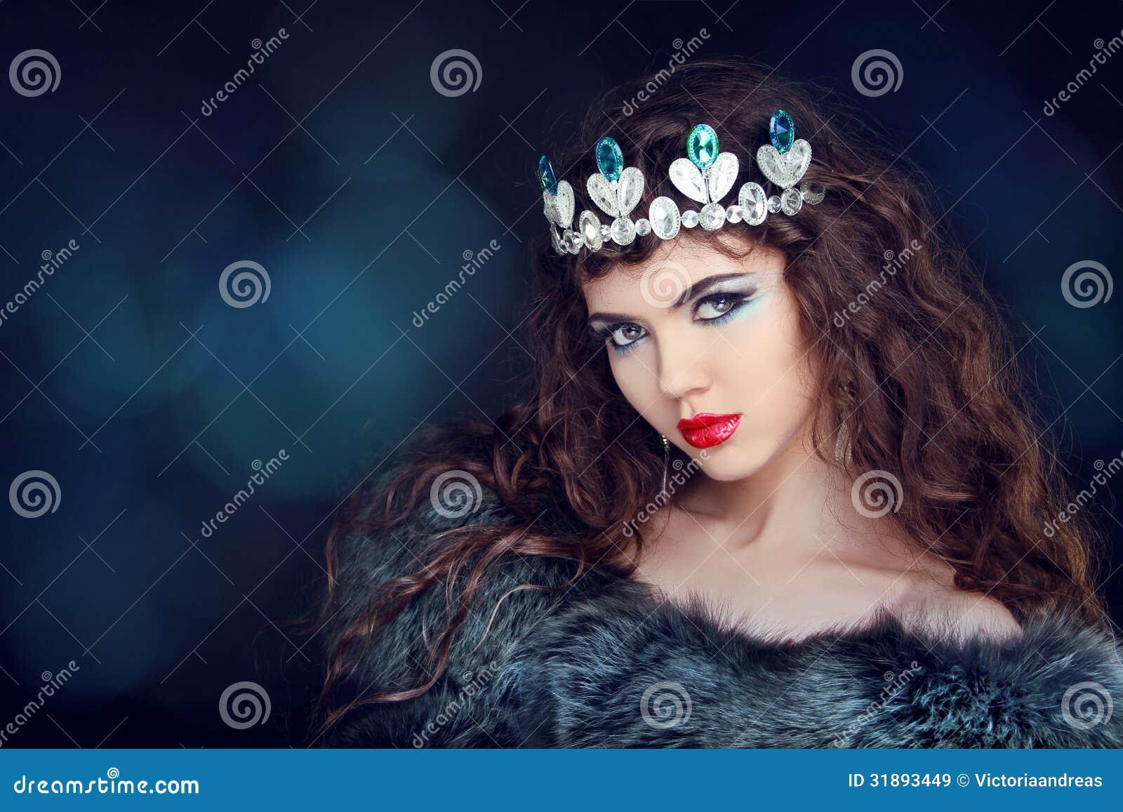 Девушка в короне фотосессия