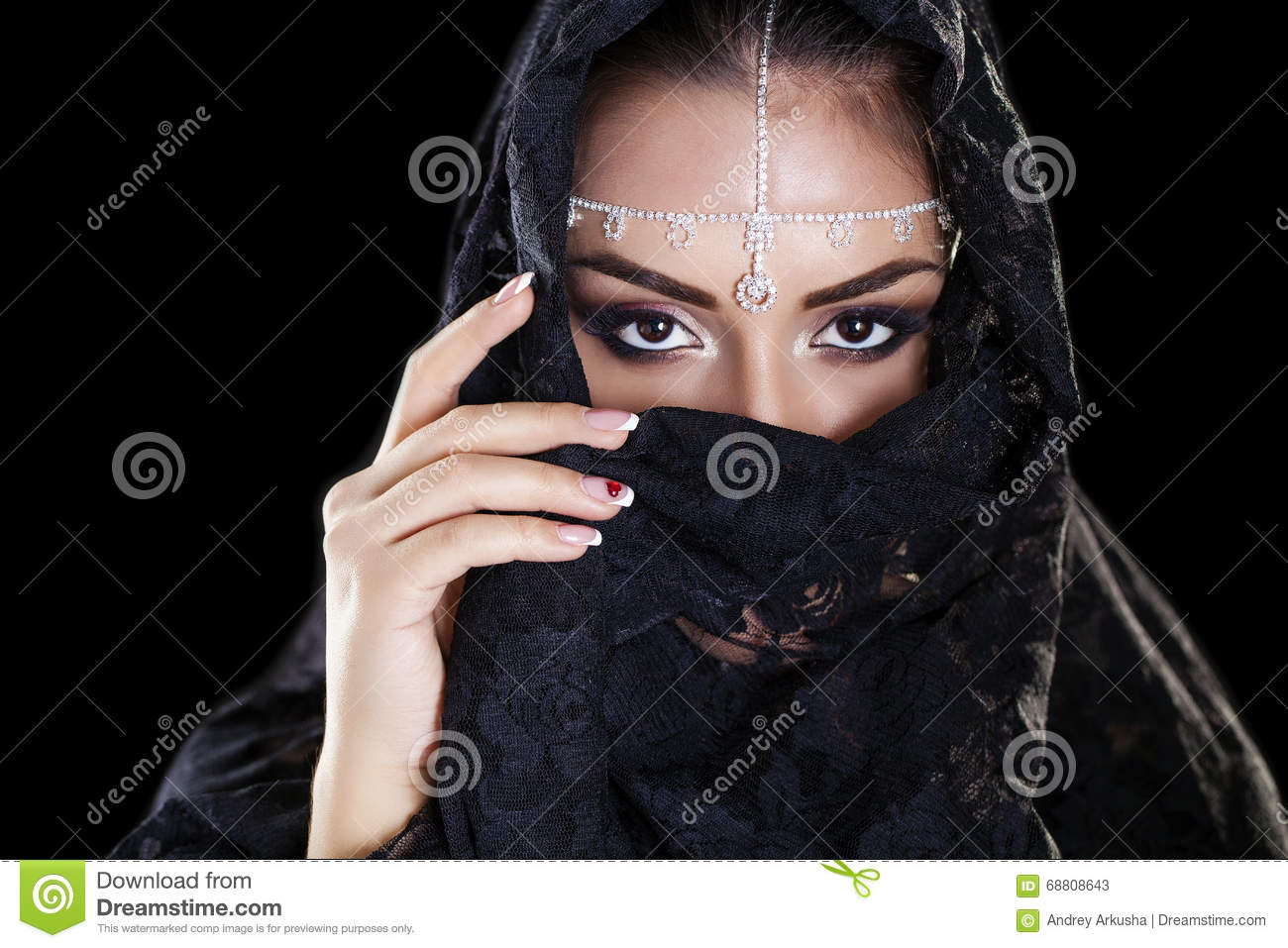 Beautiful arab woman strange encounter