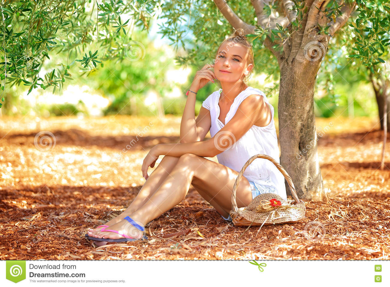 Beautiful Woman Olive Garden Stock Images 207 Photos: what time does the olive garden close