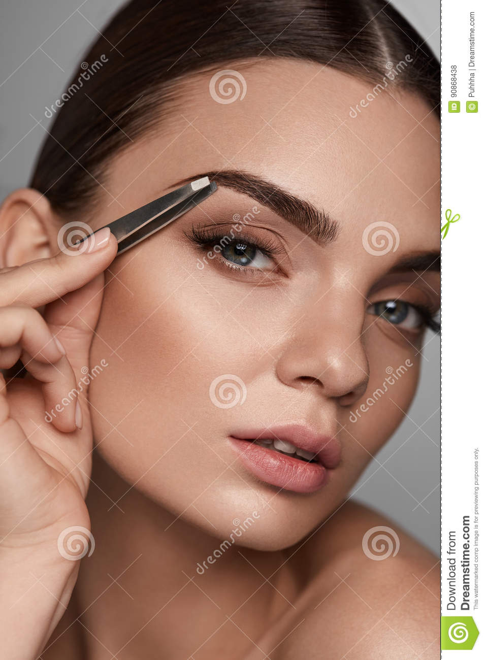 Watch How to Pluck Eyebrows video