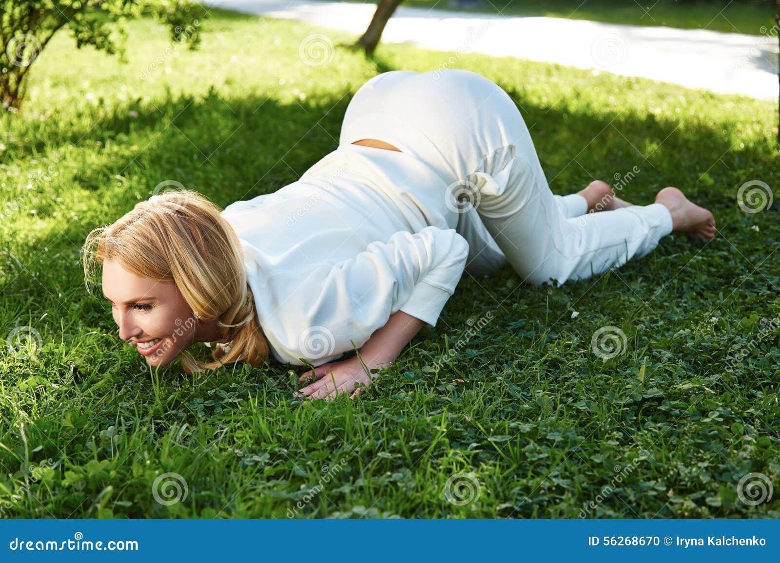 beautiful woman sport gymnastics green park nature summer