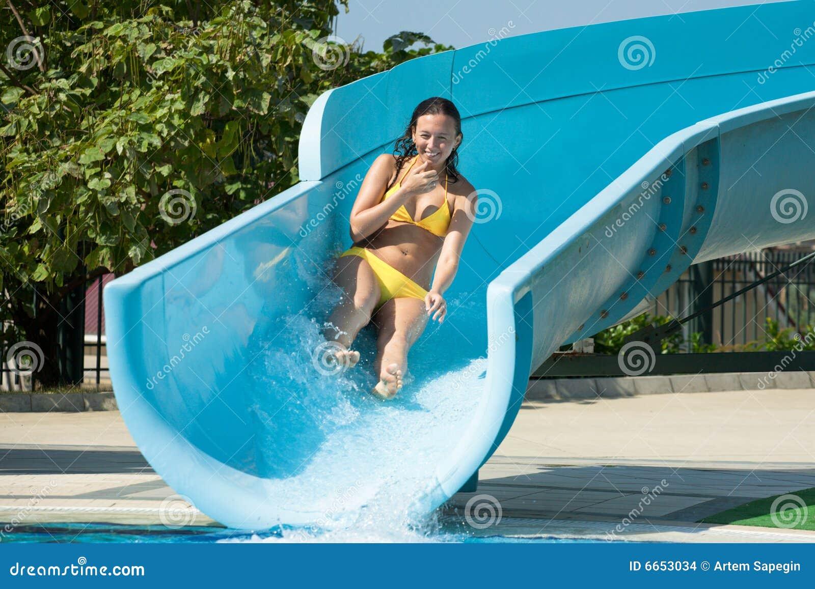 Amazing Woman On Water Slide 1300 x 957 · 192 kB · jpeg