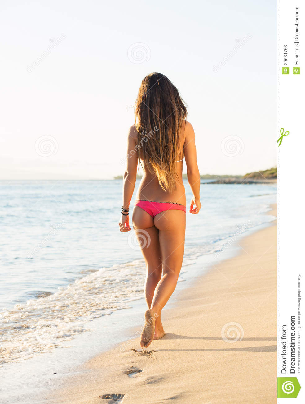 Woman walking on a beach royalty - Beautiful Woman Walking On The Beach Royalty Free Stock Photo