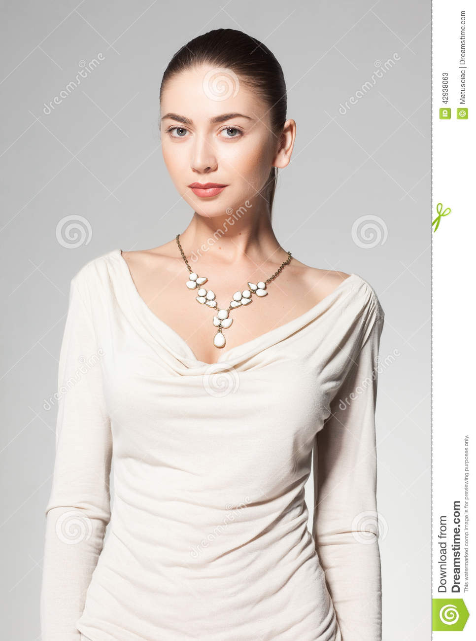 Necklace Beautiful Woman On 89