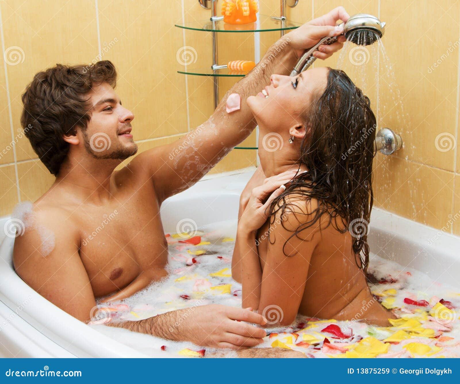 Фото пары в ванне 5 фотография