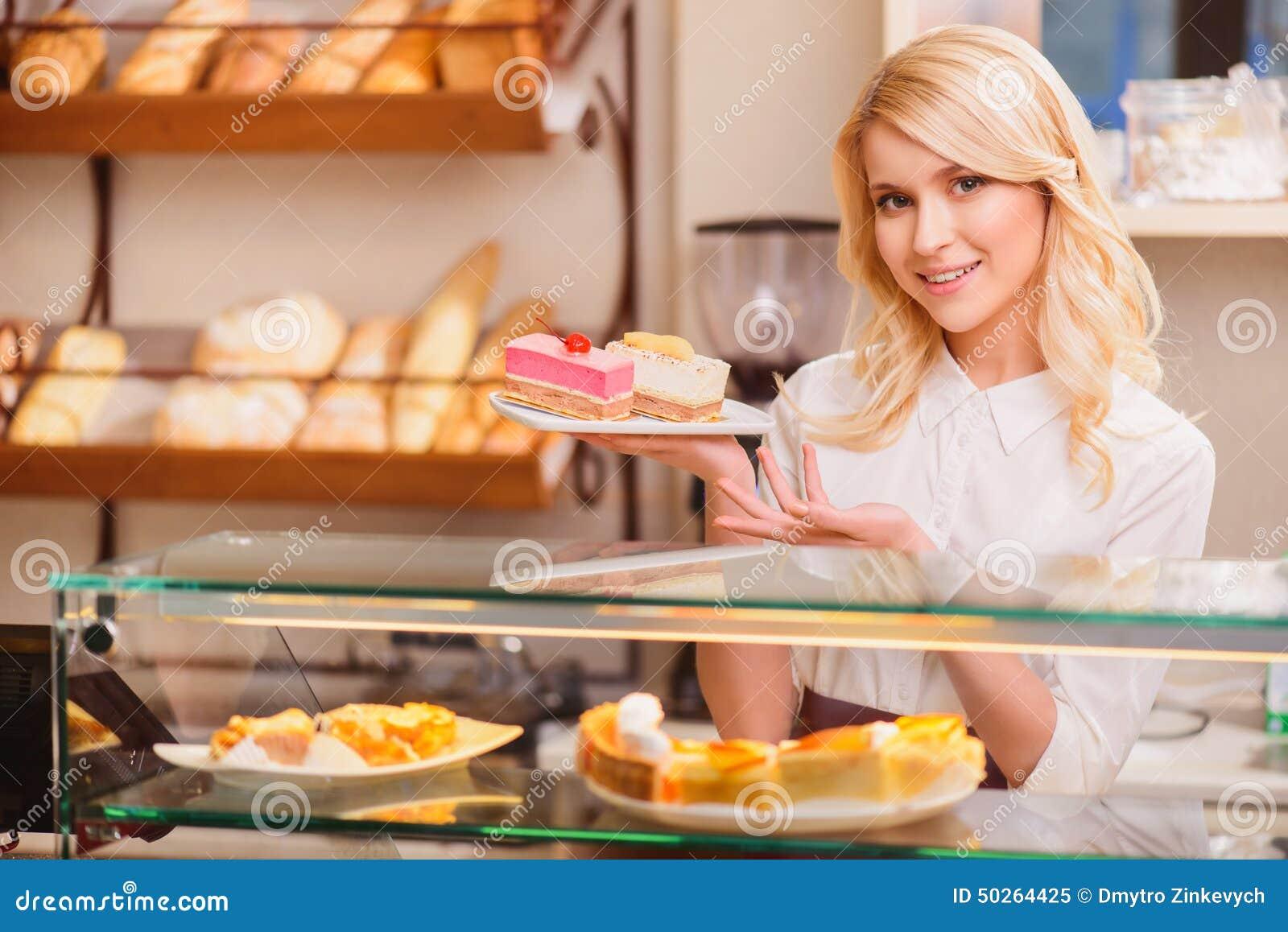 L M Bakery Cakes