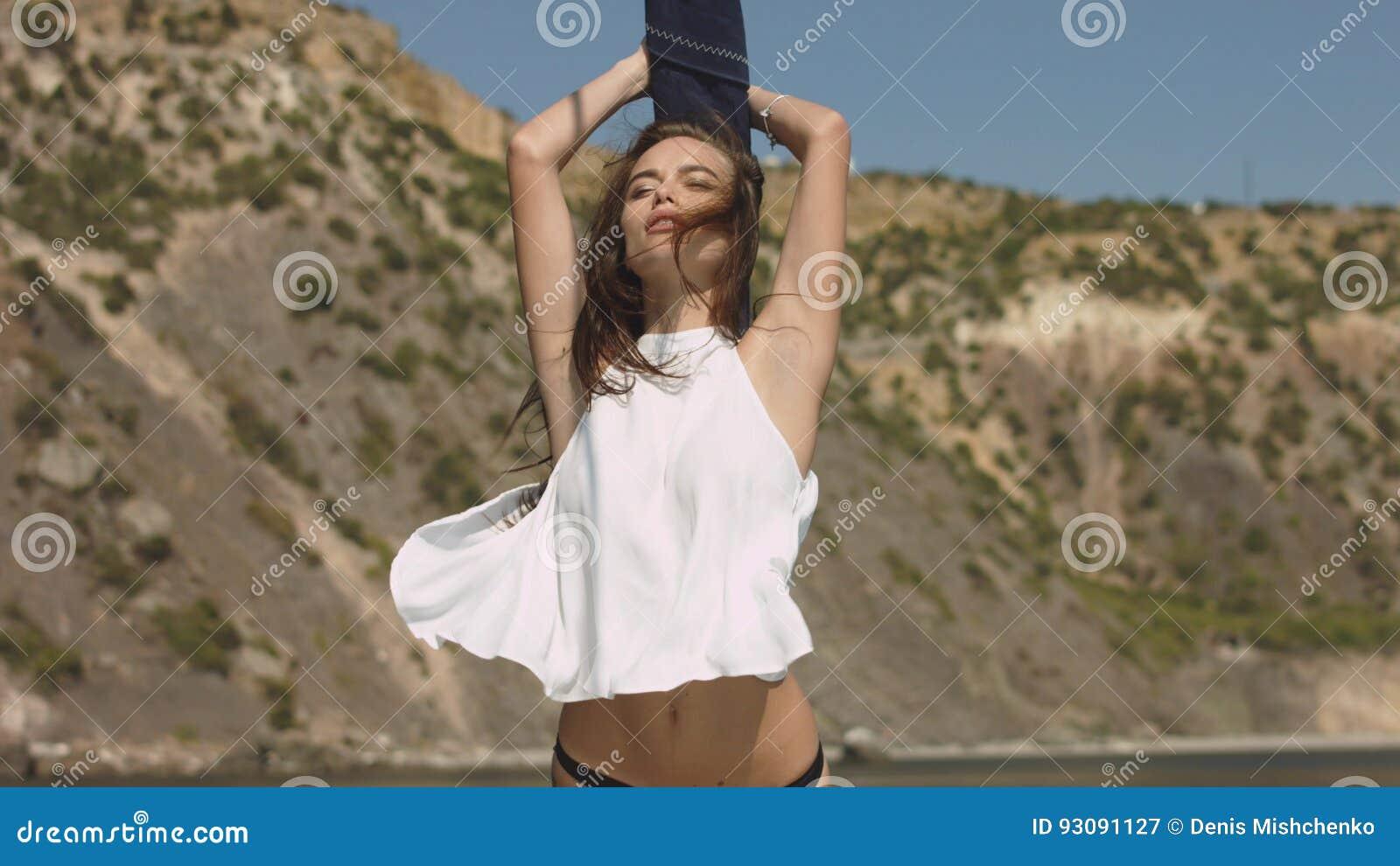 26cc51da5b0 Beautiful Young Brunette Girl At Luxury Yacht Stock Image - Image of ...