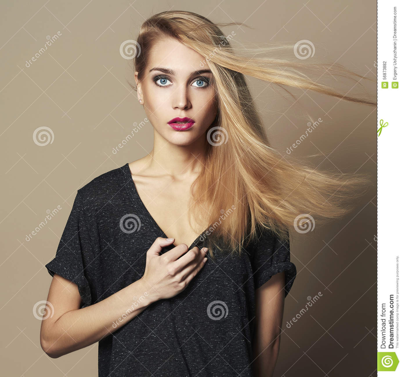 Pretty Girl Hair Salon: Beautiful Young Woman.Blond Girl.Beauty Salon Make-up